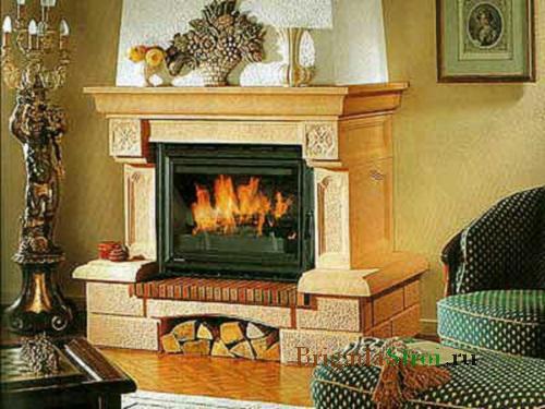 Камин в доме - всегда востребованная деталь интерьера