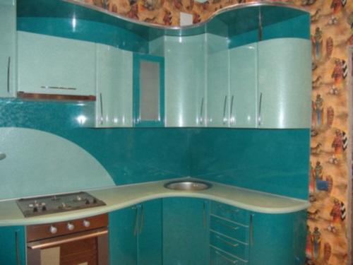Маленькие кухни в брежневке дизайн фото