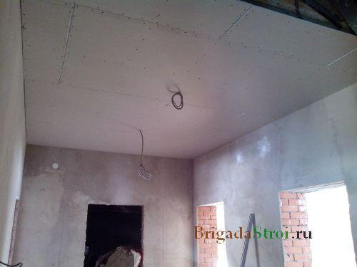 Натягиваем потолок своими руками фото