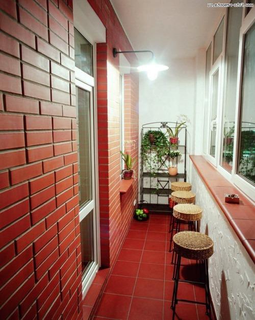 Дизайн балконов под кирпич